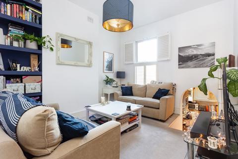 2 bedroom flat to rent - Strathblaine Road, Battersea, SW11