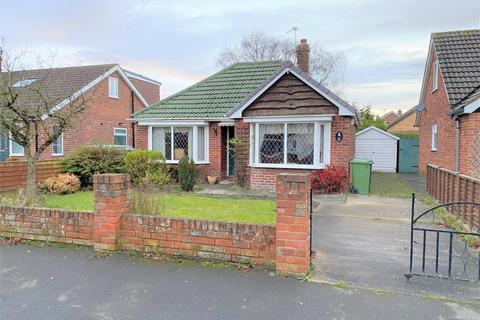 2 bedroom detached bungalow for sale - 6 Kennedy Drive, Haxby, York, YO32 3JD