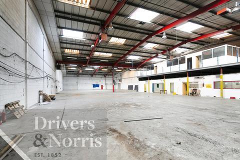 Heavy industrial to rent - Garman Road, Tottenham