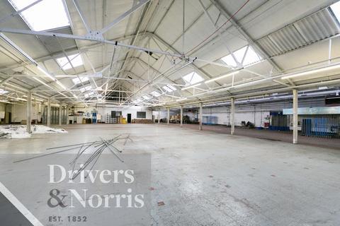 Industrial unit to rent - Norlington Road, Leyton