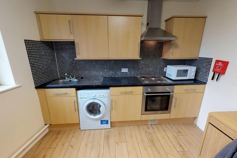 Studio to rent - Royal House, Goldsmith Street, Nottingham  NG1