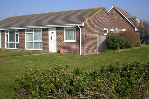 2 bedroom semi-detached bungalow to rent - Fraser Close, Selsey, West Sussex PO20