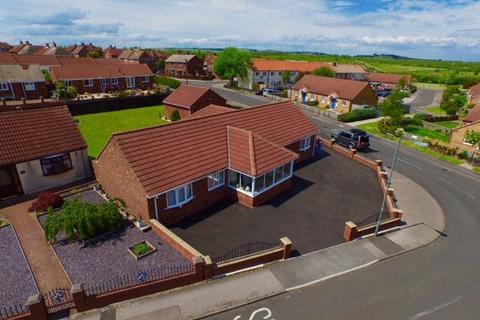 2 bedroom detached bungalow for sale - Penzance Court, Murton, Seaham, Durham, SR7