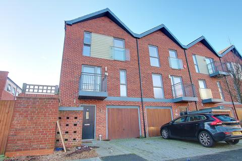 3 bedroom end of terrace house for sale - Vosper Road, Woolston