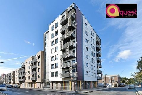 3 bedroom apartment to rent - 42 Leven Road, London E14