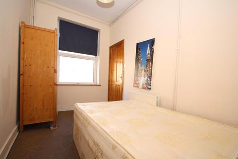 1 bedroom flat to rent - New Cross Road, New Cross, London