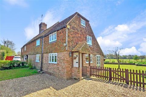 3 bedroom semi-detached house for sale - Howland Road, Marden, Kent