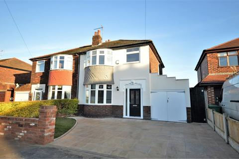 3 bedroom semi-detached house for sale - Rydal Avenue, Warrington