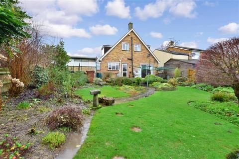 3 bedroom bungalow for sale - Farnham Lane, Langton Green, Tunbridge Wells, Kent