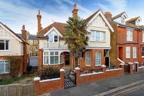 5 bedroom detached house for sale - Stanley Road, Deal, CT14