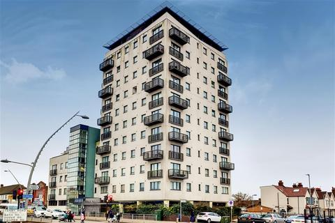 2 bedroom flat for sale - High Road, Chadwell Heath, RM6