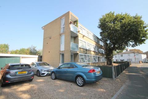 2 bedroom flat for sale - Cromwell Lodge, Bedfont Road, Feltham, TW13
