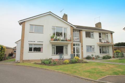 2 bedroom flat to rent - Cedar Lodge, Cudlow Garden, Rustington, BN16