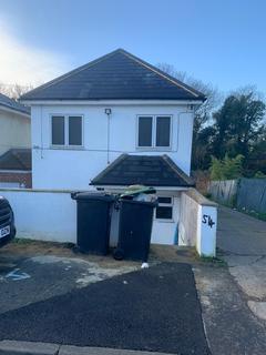 3 bedroom detached house - huntley Road, Northfleet DA11