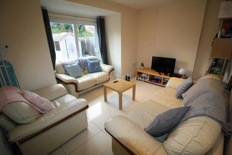 4 bedroom semi-detached house to rent - Eastern Avenue, Reading