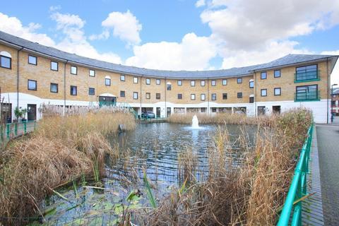 3 bedroom apartment for sale - Plover Way, Surrey Quays, SE16 (JH)