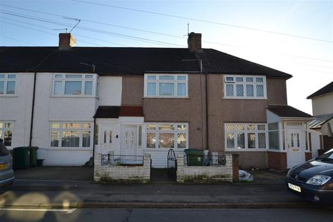 3 bedroom terraced house for sale - Ravensbourne Avenue, Stanwell, Staines Upon Thames