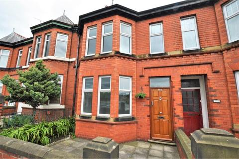 6 bedroom terraced house for sale - Tarvin Road, Boughton, Chester