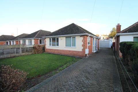 2 bedroom detached bungalow to rent - Pittville Crescent Lane, Cheltenham