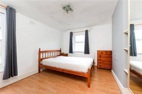 2 bedroom property to rent - Eccles Road, London, SW11