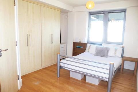3 bedroom apartment to rent - Grosvenor Terrace, London, SE5