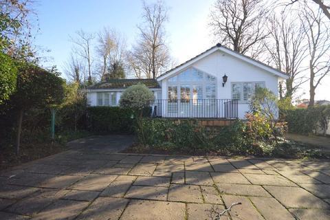 4 bedroom detached house to rent - Thames Street, Lower Sunbury