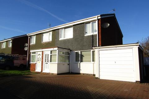 3 bedroom semi-detached house to rent - Rothay, Tamworth