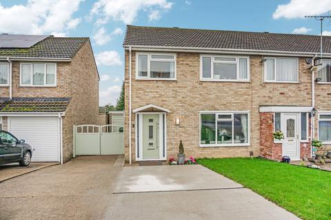 3 bedroom end of terrace house for sale - Launceston Close, Tamworth