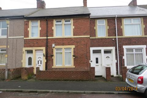 2 bedroom ground floor flat to rent - Esk Street, Carr Hill, Gateshead