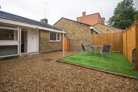 1 bedroom detached bungalow to rent - Gowrie Road, Battersea
