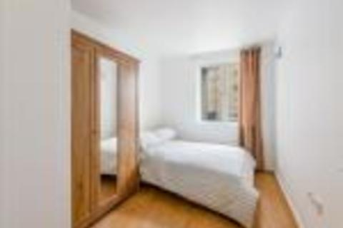 2 bedroom flat to rent - Naxos Building, Hutching Street, Canary Wharf, South Quay, London, E14 8JR