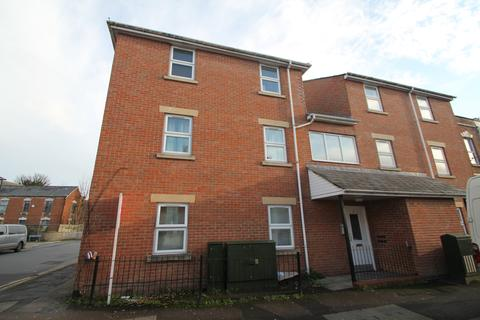 1 bedroom flat to rent - High Street, Tredworth, Gloucester