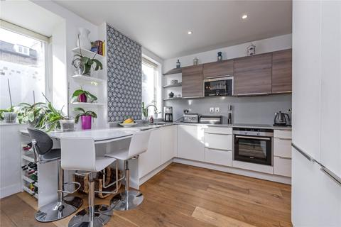 5 bedroom semi-detached house for sale - Trinity Road, London, SW17