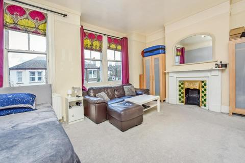 2 bedroom flat for sale - Southcroft Road, London SW17