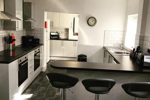 6 bedroom house share to rent - Stockport Road, Ashton Under Lyne,