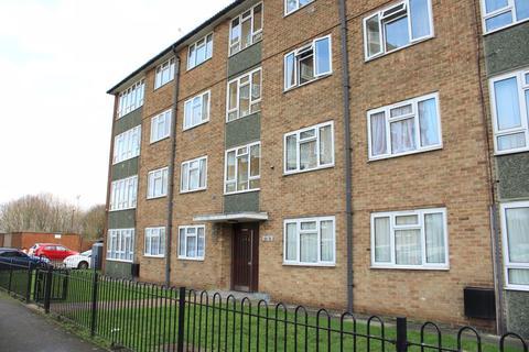 3 bedroom apartment for sale - Glebelands Road, Feltham