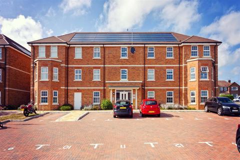 2 bedroom flat for sale - Longshore Drive, Shoreham-By-Sea