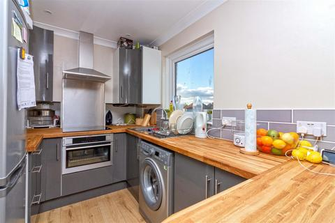 2 bedroom apartment for sale - Cecil Road, Lancing
