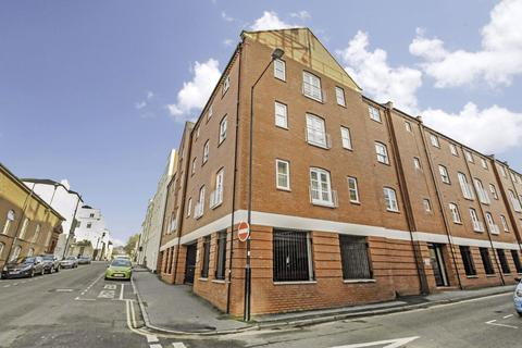 2 bedroom apartment to rent - Windsor Place, Leamington Spa CV32 5EN