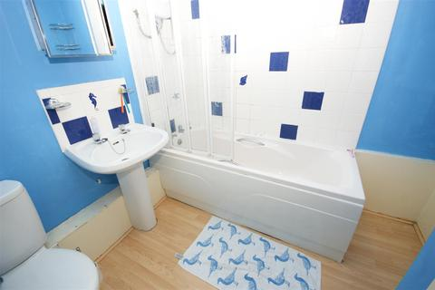 2 bedroom apartment to rent - Burdett Court, Milnsbridge