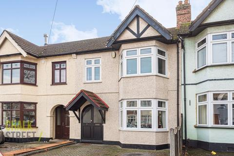 3 bedroom terraced house for sale - Cavenham Gardens, Hornchurch, RM11