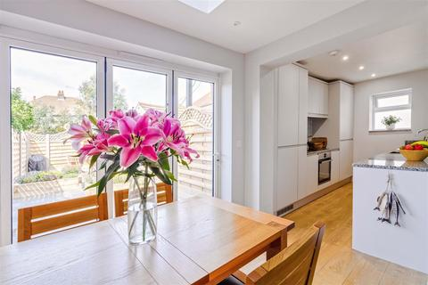 2 bedroom apartment for sale - Aglaia Road, Worthing