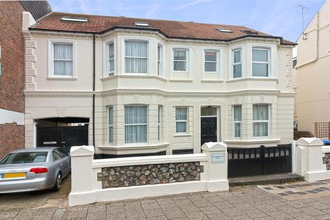 1 bedroom flat to rent - Winterbourne House, Rowlands Road, Worthing