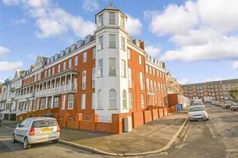 3 bedroom flat for sale - First Avenue, Margate, Kent