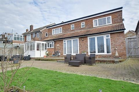 5 bedroom detached house for sale - Park View, Hastings
