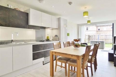 4 bedroom detached house for sale - Walker Drive, Stamford Bridge