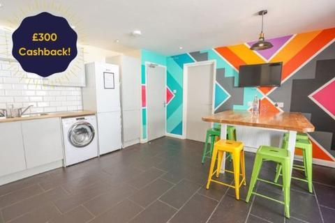 9 bedroom semi-detached house to rent - Hawkhurst Road, Brighton
