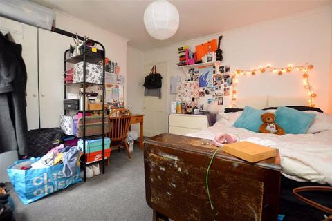 3 bedroom terraced house to rent - Granby Gardens, Reading