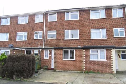 3 bedroom townhouse for sale - Swallowfield, Ashford, Kent