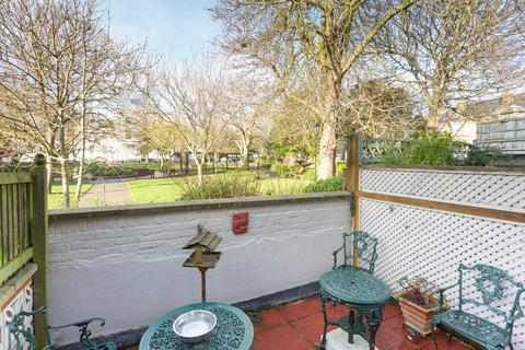 2 bedroom flat for sale - Stephen Close, Broadstairs